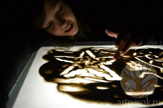 Занятия по рисованию песком 1