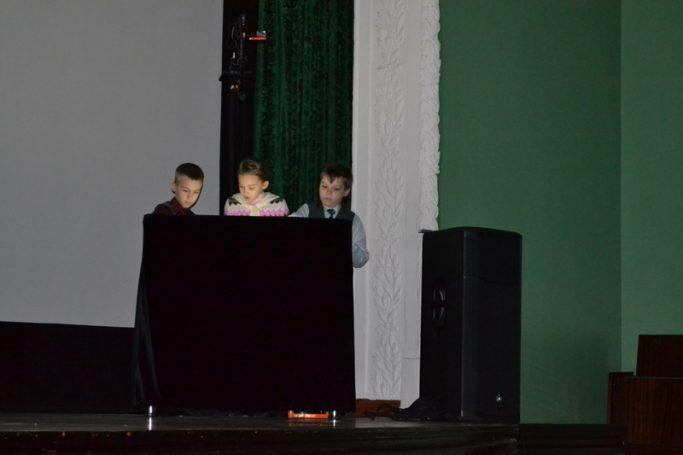 6 марта состоялся песочный концерт «Мамин день»